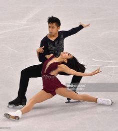China's Sui Wenjing and China's Han Cong compete in the pair skating. Ice Skating, Figure Skating, Gracie Gold, 2018 Winter Olympic Games, Pyeongchang 2018 Winter Olympics, Ice Dance, Dancing, Pairs