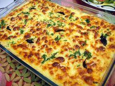 """O Português adora bacalhau, daí este peixe já estar enraizado na nossa cultura! Como se costuma dizer, é o ingrediente das 1001 receitas possíveis! Hoje vamos ensinar-te a fazer o """"escondidinho de bacalhau"""", pois este é simplesmente um dos melhores pratos que poderás provar!!"""