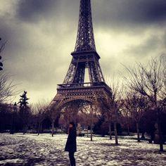 Paris in the snow... amaze!