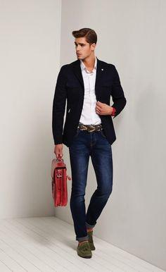 Men'S fashion › fashion for 30 year old men men's navy blazer, white long sleeve shirt, navy skinny jeans, olive suede tassel Fashion Night, Look Fashion, Mens Fashion, Stylish Men, Men Casual, Casual Jeans, Navy Blazer Men, Men's Navy Blazers, Look Man