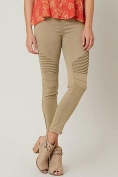 Our favorite moto pants are here in khaki! We love the side zip detail on our #1…