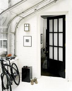 House Decor Black And White Interior Doors 17 Ideas Doors Interior, House Design, Dining Room Design, Interior Design, White Interior Doors, House, Black And White Interior, Interior Architecture Design, White Interior