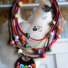 Collier mi-long multirangs fantaisie multicolore pendentif pâte polymère  perles céramique buna cord métal argenté Mi Long, Diy Necklace, Articles, Fantasy, Pendant, Beads, Necklaces, Diy Jewelry Necklace, Diy Collares