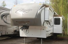 Kitsmiller RV Superstore | 2012 Cougar 324RLB Rear Living 5th Wheel Very Clean Unit for more information go here http://kitsmillerrv.com/inventory/details/457/2012-keystone-rvs-324rlb