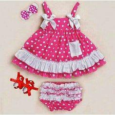 Dress Polkadot (Atasan + CD) Rp. 88.000  Ukuran : 90 (12-18 bulan) 95 (18-24 bulan) 100 (2-3 tahun)