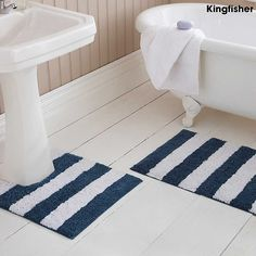 Big W Rubber Bath Mat - There's not anything more uncomfortable than standing on a hard tile flooring and getting out from ba Brown Bathroom, Simple Bathroom, Bathroom Rug Sets, Bathroom Ideas, Nautical Bath, Types Of Rugs, Buy Rugs, Contemporary Bathrooms, Amazing Bathrooms