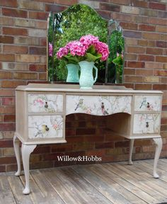 This stunning dressing table is now sold, however, I do have similar items in stock available for commission (please ask to see my available pieces); or am always happy to source similar items. Prices do vary dependent on the item sourced, so please ask for further information and