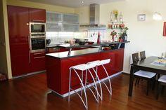 červená kuchyně, red kitchen, küche