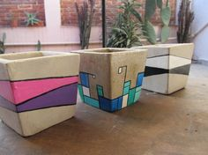 Love the shapes and colours *. Cement Art, Concrete Pots, Concrete Crafts, Concrete Projects, Concrete Design, Concrete Planters, Painted Flower Pots, Painted Pots, Clay Pot Crafts
