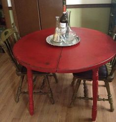 Distressed round country kitchen table vintage hip dcor distressed country kitchen table watchthetrailerfo