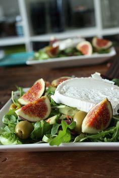 vuohenjuusto-viikunasalaatti