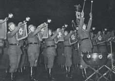 A cavalry band of the Reichswehr. It could be a concert on a studium or a Grand Tattoo (Großer Zapfenstreich). Date and place unknown.
