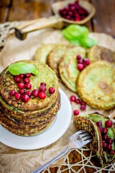 Pinaattiletut spinach pancakes a kids favorite! Spinach Pancakes, Cooking Recipes, Healthy Recipes, International Recipes, Deli, Brunch, Food And Drink, Baking, Breakfast