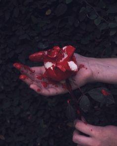 Pin by B& Suchada on เลือด Death Aesthetic, Gore Aesthetic, Aesthetic Photo, Aesthetic Pictures, Dark Fantasy, Fantasy Art, Image Deco, Yennefer Of Vengerberg, Blood Art