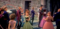 """Did Flynn and Rapunzel show up in """"Frozen""""? That sure looks like her bad, emergency haircut. #frozen #disney #tangled"""