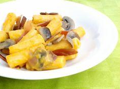 Pasta con funghi, speck e crema di zucca