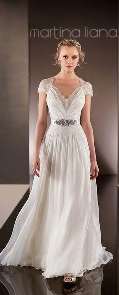 wedding-dresses-martina-liana-spring-2015-bridal-collection-574_main_zoom.jpg (646×1600)