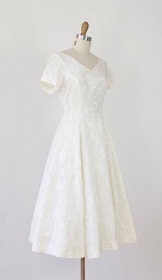 1950s Full Skirt Cream Brocade Vintage Dress.