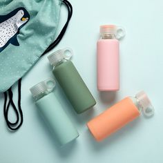 Drinking water throughout the day is necessary for keeping both mind and body fresh, as the sisters always say. Drinking bottle, price per item DKK 24,40 / EUR 3,43 / ISK 569 / NOK 34,60 / GBP 3,30 / SEK 34,40You can find all our new items for office and school in the catalogue (link in bio)