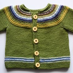 I love the way stripes look in garter stitch, or on the purl side of stockinette, with little semicircles of different colors bumping against each other. So of course I immediately loved the Playfu… Kids Knitting Patterns, Knitting For Kids, Knitting Designs, Baby Patterns, Little Man Style, Modern Tops, Knitted Baby Cardigan, Baby Sweaters, Knit Crochet