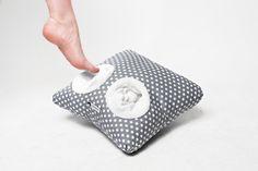 Fußkissen // foot cushion via DaWanda.com // 32,90€