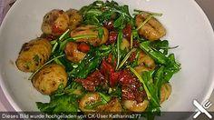 Gnocchi - Salat mit Pinienkernen und getrockneten Tomaten (Rezept mit Bild) | Chefkoch.de