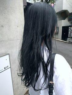 秋冬の髪色は「青」がくる♡トレンドのブルー系ヘアカラー4選 - NAVER まとめ Hair Inspo, Hair Inspiration, Stylish Haircuts, Brown Hair, Black Hair, Makeup Forever, Hair Goals, New Hair, Girl Hairstyles