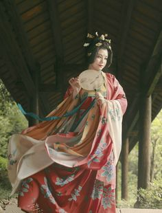 hanfu gallery (Traditional Chinese fashion, in Dunhuang style of...)