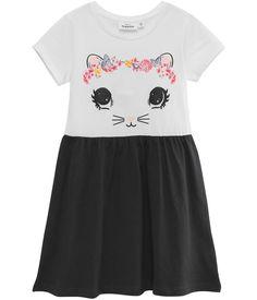 Klänning med raglan ärm. tryckt katt-print på överdelen och öron applikationer