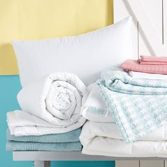 It's time to break out the lightweight spring bedding.