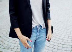 Hanna Stefansson from Swedish ELLE magazine in our Lily Pearl Bracelet