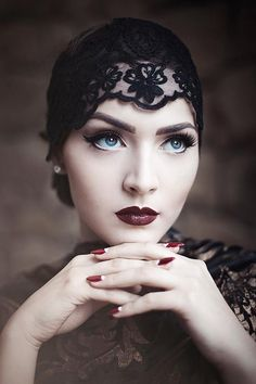 How lovely is this look? Love what she's wearing on her head! Moody Blues