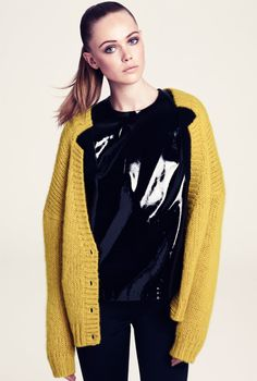 Frida Gustavsson, yellow cardigan #sleek