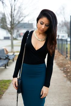 Green, black & gold pencil skirt holiday/ date night outfit | Beauty & the Boss