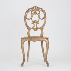 Suite of four chairs in painted and gilded wood with openwork backrest decorated with stylized foliage, resting on arched legs. Russia at the end of the century. Underneath the uprights of each chair, a label and an ink stamp are applied. Blue Dining Tables, Decorative Mouldings, French Chairs, Ink Stamps, Luxury Furniture, Living Room Designs, Russia, Wood, Kitchen
