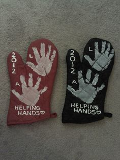 http://www.phomz.com/category/Oven-Mitts/ Cute Grandparent gift. :) use fabric instead of paint?