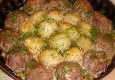 Cutlets with potatoes in a creamy tomato sauce Meat Recipes, Chicken Recipes, Cooking Recipes, Healthy Recipes, Russian Dishes, Russian Recipes, Cooking Movies, Creamy Tomato Sauce, Tomato Gravy
