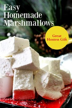 You'll love this quick and easy homemade marshmallow recipe! Perfect with a cup of hot chocolate and an excellent hostess gift during the holidays! Gluten Free Marshmallows, How To Make Marshmallows, Homemade Marshmallows, Candy Recipes, Baking Recipes, Holiday Recipes, Dessert Recipes, Fudge Recipes, Winter Recipes