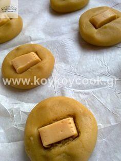 MILK CARAMEL COOKIES Caramel Cookies, Cookie Tutorials, Doughnut, Tea Time, Food And Drink, Sugar Sugar, Sweets, Baking, Eat