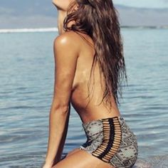 Acacia Thai Paia Short -Zipper closure in front -Crochet details on both sides  This is a beautiful rare piece but I don't wear it enough. Only worn 2-3 times and is in excellent condition.  NO TRADES / CHEAPER THRU ️ | Ⓜ️ acacia swimwear Swim Coverups