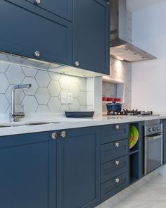 Kitchen Cabinet Colors, Kitchen Sets, New Kitchen, Kitchen Cabinets, Tv Cabinets, Small Apartment Interior, Kitchen Interior, Rustic Kitchen, Kitchen Decor