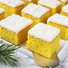 Ljuvliga saffransrutor med sötsur citronglasyr!