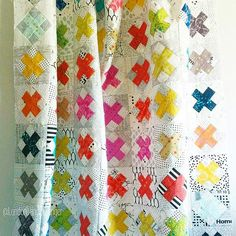 @london_and_granger has a delightful quilt top in the works - various Sun Print fabrics + a bunch of low volume prints