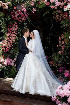 Miranda Kerr's Timeless Dior Wedding Dress Was Inspired by Grace Kelly