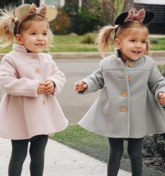 Kids fashion Show Fun - - - - Vintage Kids Fashion, Kids Fashion Show, Kids Winter Fashion, Toddler Fashion, Boy Fashion, Fashion Design, Twin Girls Outfits, Twin Baby Girls, Little Girl Outfits