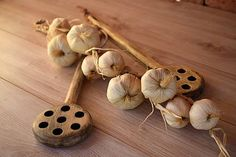 woodartAM / Drevená vareška Garlic, Vegetables, Food, Meal, Essen, Vegetable Recipes, Hoods, Meals, Eten