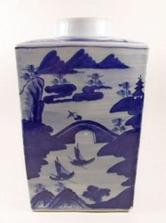 A large Chinese blue and white square tea jar circa 1800 #chinese #ceramics