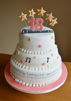 Musical cake with clarinet on.