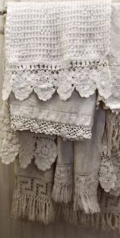 ⌖ Linen & Lace Luxuries ⌖  vintage linen towels with lace trim