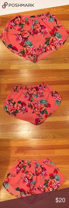 Ambiance Apparel floral shorts Lightweight floral shorts. Size medium. Stretchy waist Ambiance Apparel Shorts